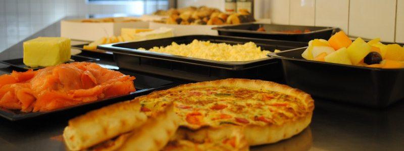Undgå stress over festen - bestil mad ud af huset!